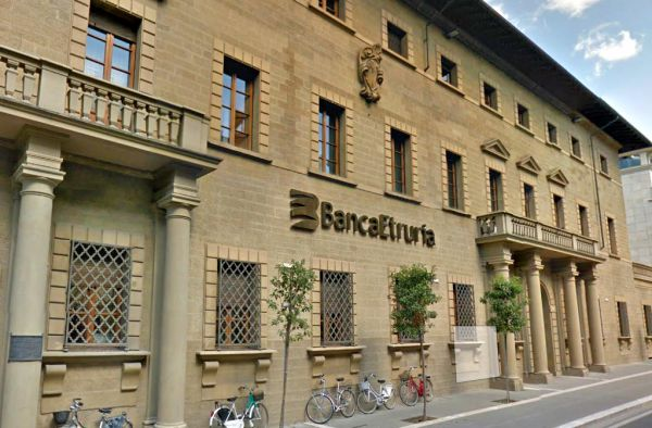 Banca Etruria il Governo deve cadere o no?