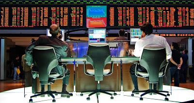 """Quando comprare azioni: ad Halloween """"Sell May and go Away"""" funziona?"""