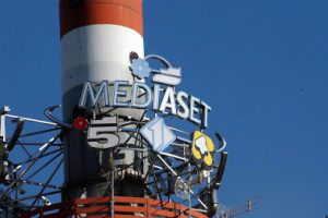 Comprare azioni Mediaset conviene? Quotazioni e dividendo