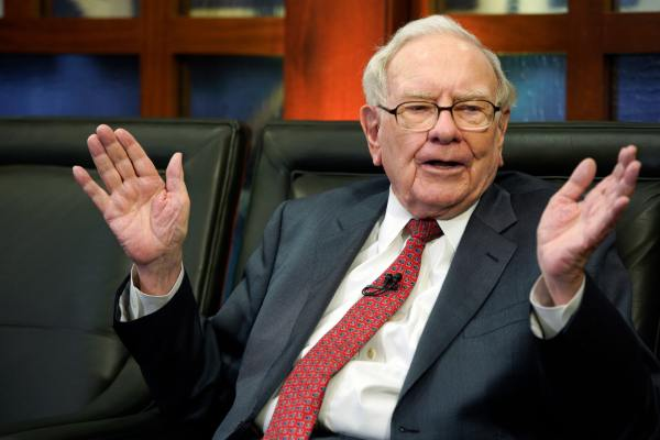 Warren Buffett: un errore non avere investito in Amazon